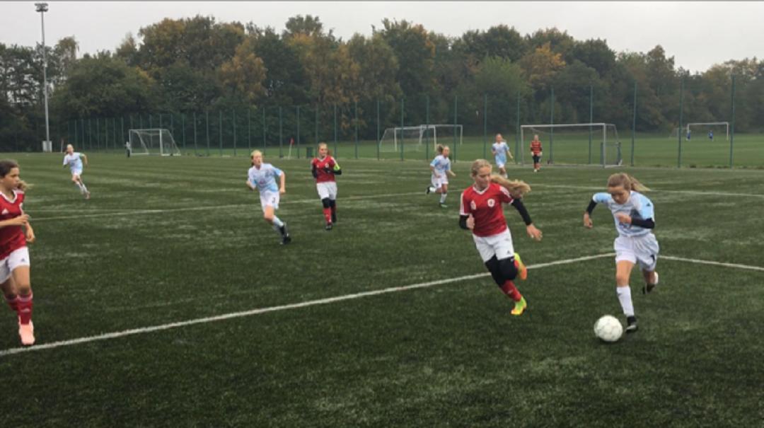 FCH Talent Piger: FCH U13 vandt 3-0 over Sundby Boldklub i underholdende kamp