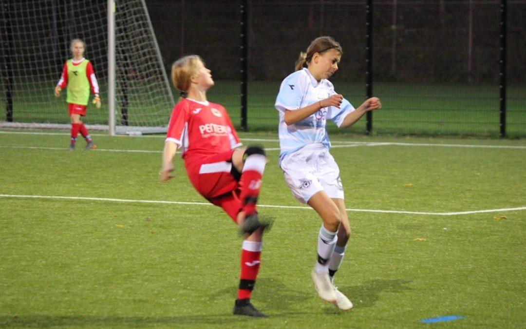 FCH U14 Pigerne hev en flot sejr hjem på to mål af Olivia Bertram